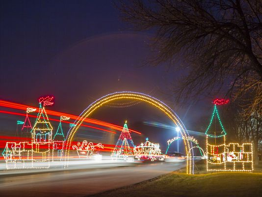 Top Five Places to See Christmas Lights in Des Moines - Top Five Places To See Christmas Lights In Des Moines €� TopTen DesMoines